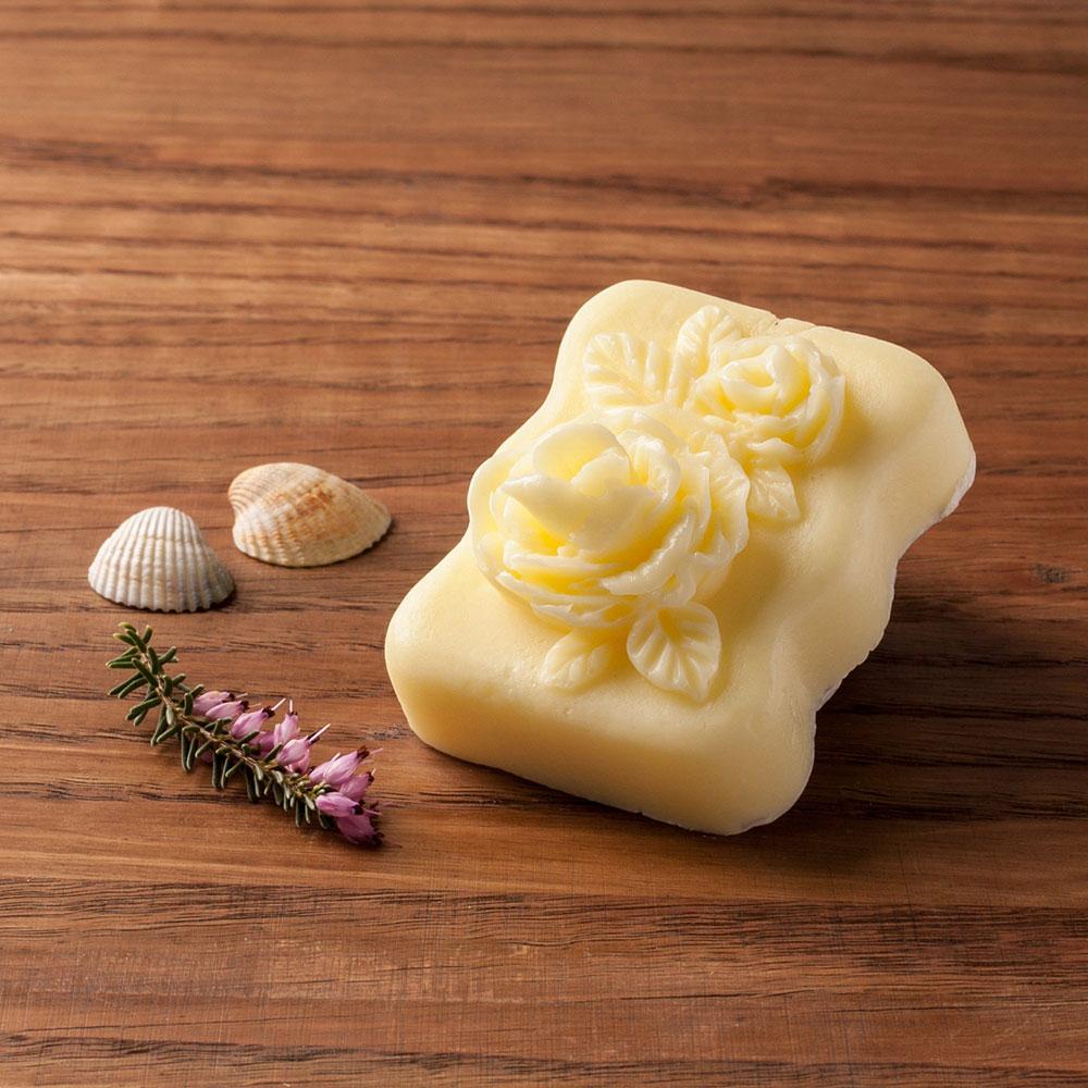 Glycerinové mýdlo s citrusovou vůní s kozím mlékem nebo bambuckým máslem (růže) - Zářivá pleť, 70 g