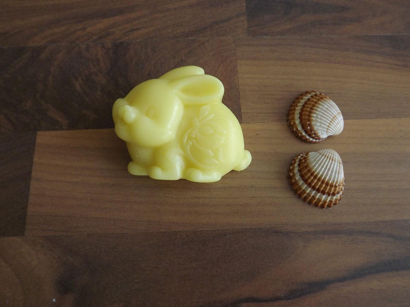 Glycerinové mýdlo s citrusovou vůní s kozím mlékem nebo bambuckým máslem ( zajíček ) - Zářivá pleť, 70 g